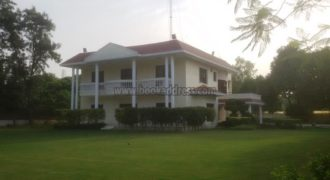 2.5 Acre DLF Chhatarpur 4 BHK Semi Furnished Farmhouse for expats for Rent/Lease