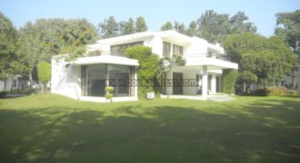 4 BHK Semi Furnished Farmhouse DLF Chattarpur – Rent