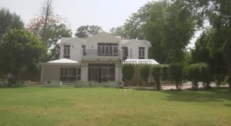 Mini 4 BHK Semi Furnished Farmhouse for Corporate in DLF Chattarpur for Rent/Lease