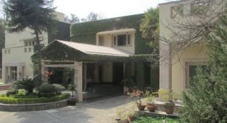 2.5 Acre Elegant Unfurnished 6 BHK Farmhouse Gadaipur South Delhi for Rent/Lease