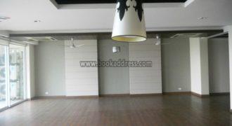 Modern 4 BHK DLF Aralias Apartment/Flat Gurugram (Gurgaon) for Rent/Lease