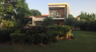 5 BHK Semi Furnished Mini 1acre Luxury Farmhouse Vasant kunj for Rent/Lease