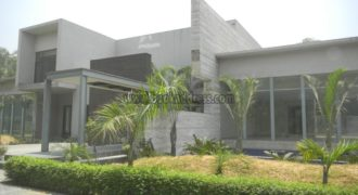 Modern DLF Chattarpur 6 BHK Semi Furnished Farmhouse for Rent/Lease
