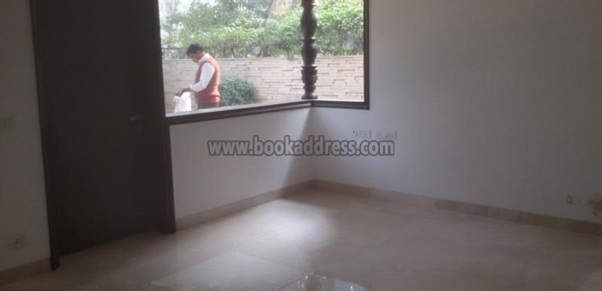 8 BHK Semi Furnished Bungalow/Villa Panchsheel Park for Rent/Lease