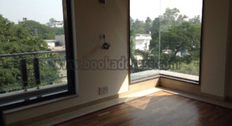Rent/Lease Unfurnished 3 BHK Apartment/Flat Defence Colony