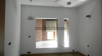 4 BHK Study Semi Furnished Apartment/Flat Defence Colony – Rent