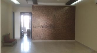 Rent/Lease 3 BHK Semi Furnished Builder Floor Defence Colony