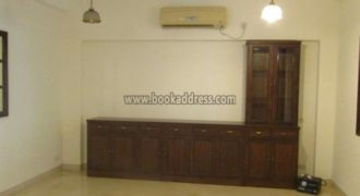 Semi Furnished 3 Bedroom Builder Floor Defence Colony for Rent/Lease