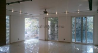 3 BHK Semi Furnished Apartment/Flat Defence Colony – Rent