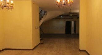 3 BHK Semi Furnished Apartment/Flat Greater Kailash-2 for Rent/Lease