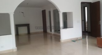Semi Furnished Greater Kailash-2 3 BHK Apartment/Flat for Rent/Lease
