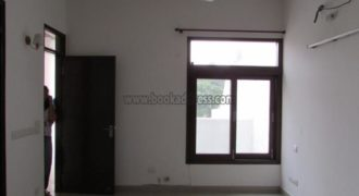 Semi Furnished 3 BHK Apartment/Flat Greater Kailash Enclave-3 for Rent/Lease