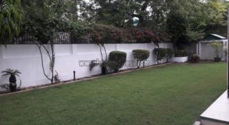 3 BHK Semi Furnished/Flat Apartment Vasant Vihar for Rent/Lease