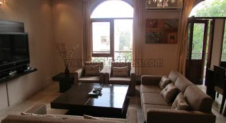 Top Floor 3 BHK Apartment/Flat Defence Colony for Rent/Lease