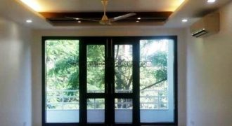 4 BHK Semi Furnished Apartment/Flat Defence Colony – Rent