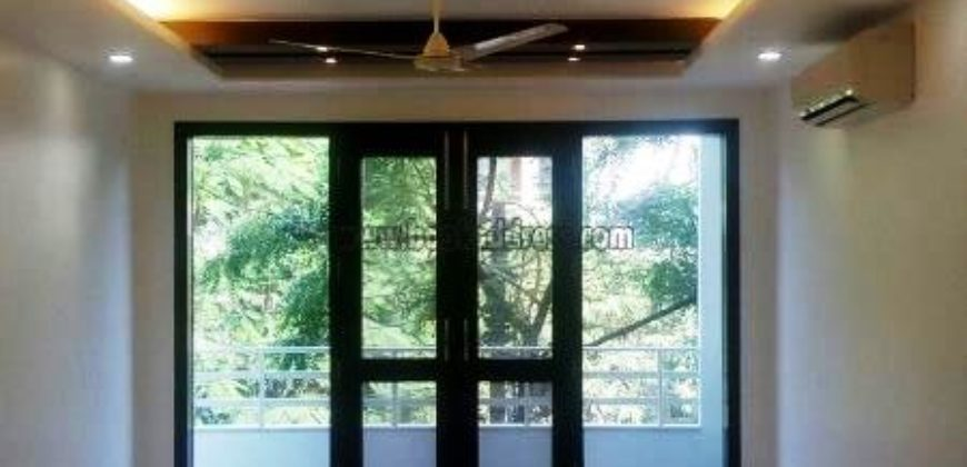 Elegant 4 BHK Semi Furnished Apartment/Flat Defence Colony for Rent/Lease