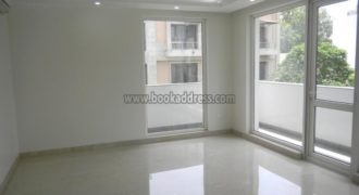 4 BHK Semi Furnished Apartment/Flat Defence Colony for Rent/Lease
