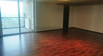4 BHK DLF Magnolias Semi Furnished Apartment/Flat Gurugram for Rent/Lease