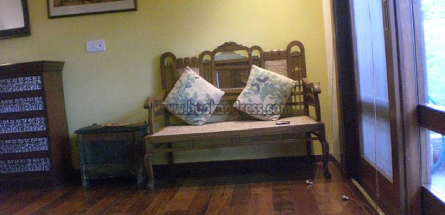 Service/Furnished 2 BHK Apartment Vasant Vihar for Rent/Lease