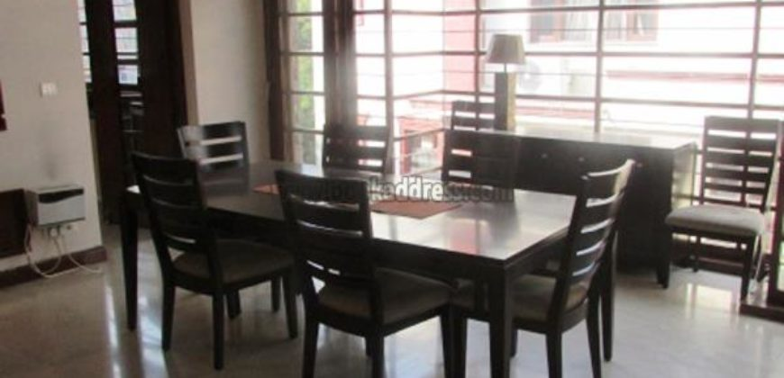 3 BHK Semi Furnished Apartment/Flat Vasant Vihar for Rent/Lease