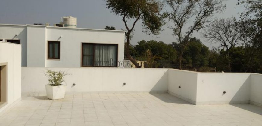 Luxury 4 BHK Semi Furnished Farm House Gadaipur for Rent/Lease