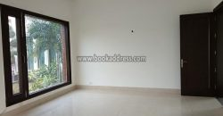 Elegant 5 BHK+Study UnFurnished Farmhouse Radhe Mohan Drive for Long Rent/Lease