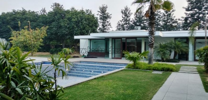 Luxury 7 BHK Semi Furnished Farmhouse Ansal Satbari for Long Rent/Lease
